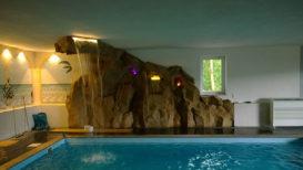 schwimmbad_kunstfelsen